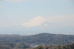 富士山が霞んでいますが