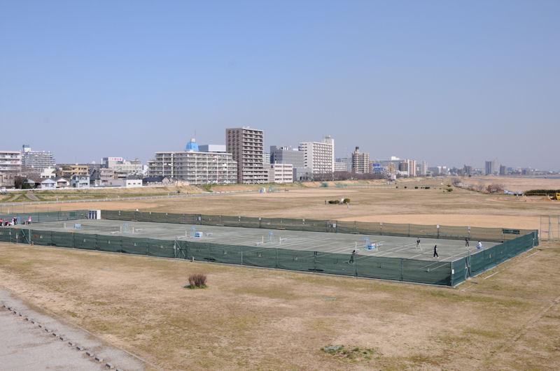 六郷橋緑地テニスコート
