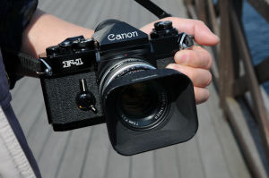 CanonのF-1