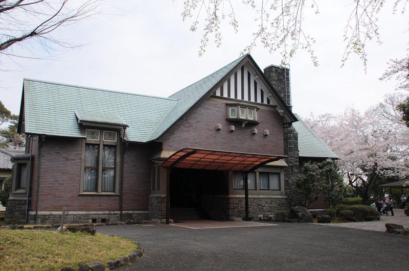 分庁舎玄関