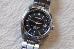 電波腕時計