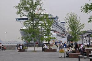 大桟橋の入口