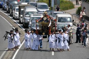初めてみる「琵琶島神社巡幸祭」
