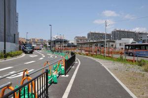 仮バスターミナルが新しく出来た道路沿いに移設