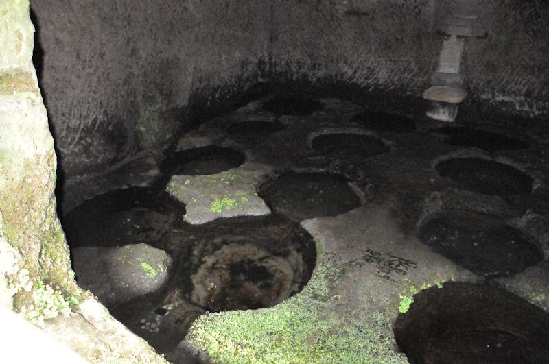 十六の井戸がみえています