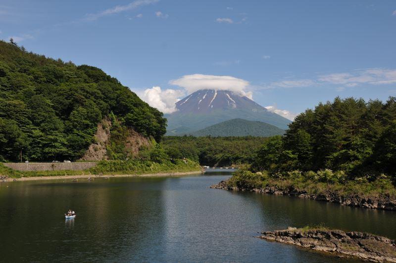 精進湖からの富士山