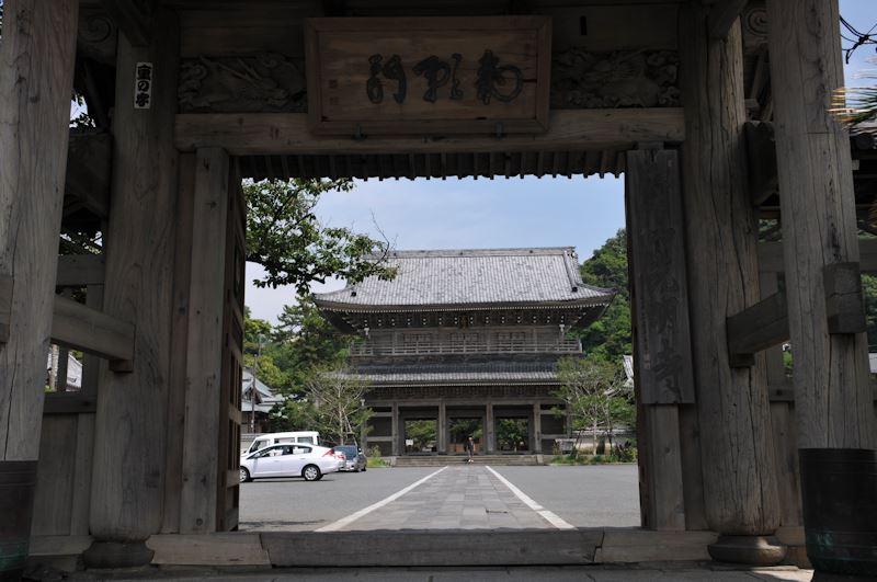 総門からの山門