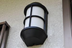 玄関脇 照明外枠補修