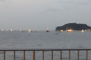 海上には船舶がたくさん