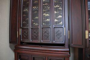 仏壇の扉、修理を終え戻る