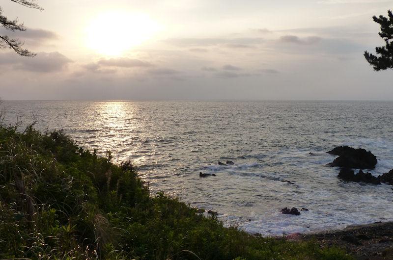 東側の浜に行ってみました