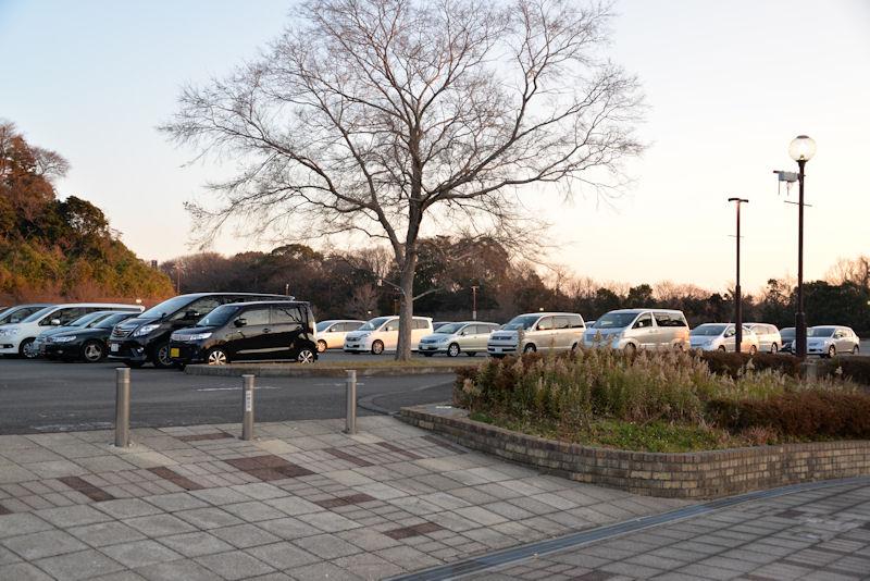 横横から入れる自然公園の駐車場