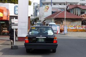タクシー乗り場は駅の改札を出て直ぐの場所に