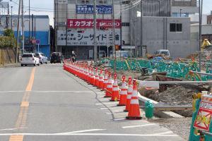 瀬戸神社脇の道路はまだ工事中