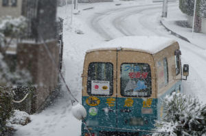 先週末の再現、また大雪です