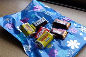 チョコレートを持ってきてくれました