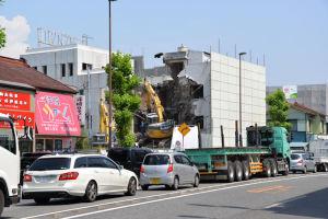 金沢八景駅前ビル解体工事