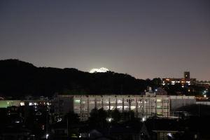 神奈川新聞花火少しみえました