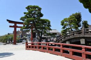 三の鳥居と太鼓橋
