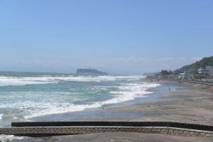 高い波が次から次へ