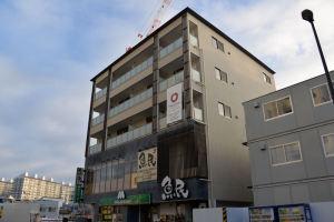 5階建ての1F、2Fに店舗