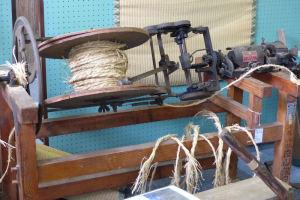 縄を編む機械