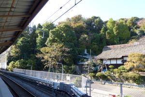 八景駅西側