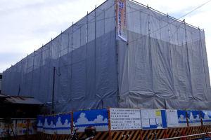 建設中の仮設店舗