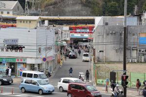 金沢八景駅前、店舗がオープン