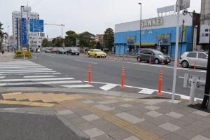 瀬戸神社前の横断歩道は