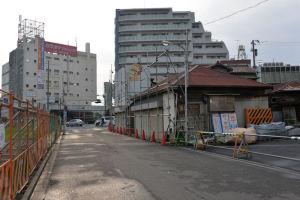 八景駅から16号線への道路