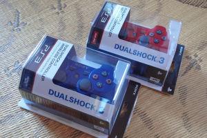 青と赤のコントローラー