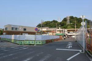 八景駅前の道路
