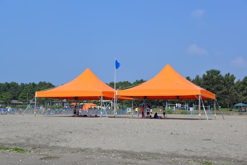 日除けのテント
