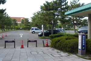 駐車場はまだ空いています