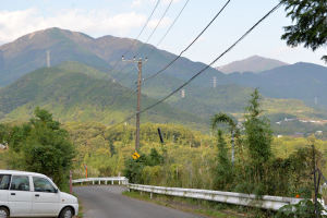 近くの住吉神社からの大山と丹沢