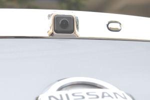 バックカメラ交換、鮮明に映ります