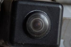 交換したカメラのレンズをupでみると