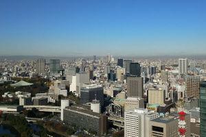 右に東京ドーム