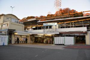 7時前の八景駅前