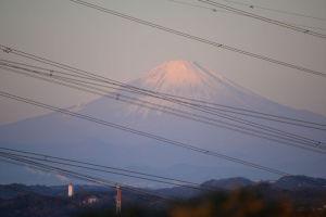 富士山も朝焼けに
