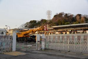 駅前の工事現場
