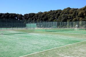 5面あるテニスコート