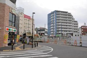 金沢八景駅前2016年3月末の様子