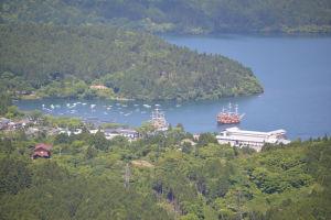 箱根町、海賊船がみえています