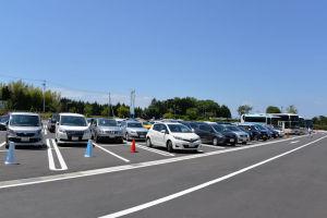 施設の駐車場
