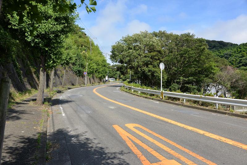 逗葉高校方面からの道路