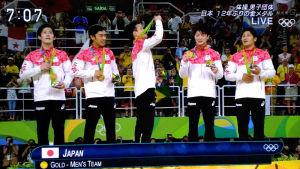 金メダルをかけてもらいました