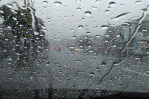 台風9号雨風強く要警戒