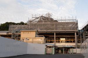 京急駅舎も最上部と思われる骨組みが出来ています